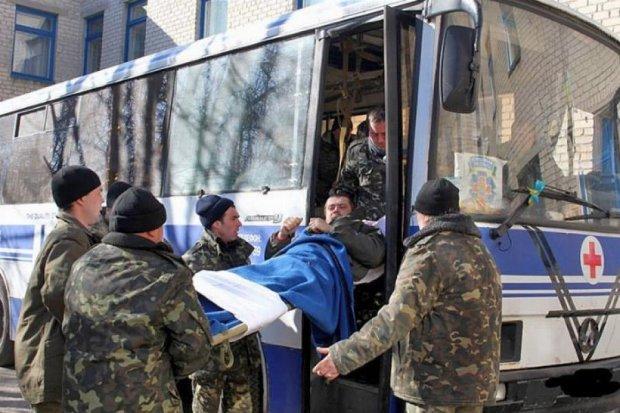 Львів'янин створив евакоавтобус для АТО