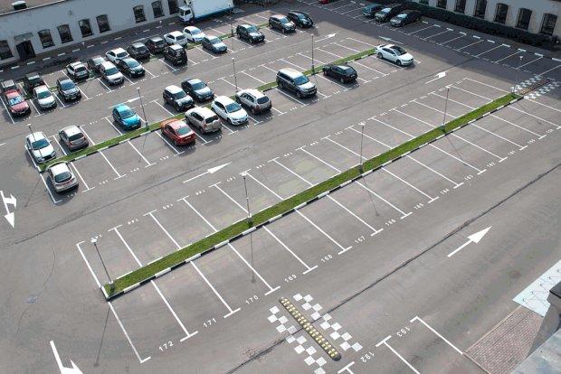 """Киевляне рассекретили наглую схему развода на парковках: """"Четырехзначные суммы вместо нескольких гривен"""""""