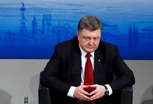 """Спадщина Порошенка: люди хочуть до СРСР, скасування всіх прийнятих Радою законів та знати """"порохоботів"""" в обличчя"""