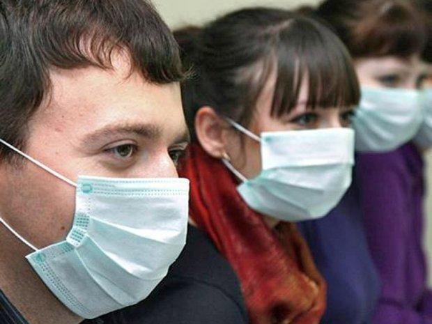 Севастопільських продавчинь забов'язали надягти маски