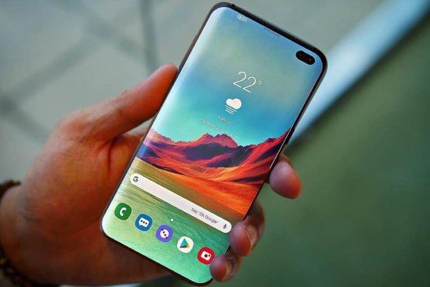 Samsung Galaxy S10 навчили ділитися зарядом з іншими смартфонами