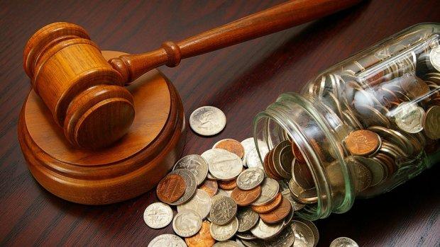 Генпрокурор звинуватив прем'єр-міністра у корупції: справа йде до суду