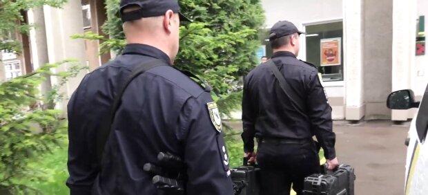 На Франковщине разыскивают мужчину с корзиной - ушел в лес и исчез