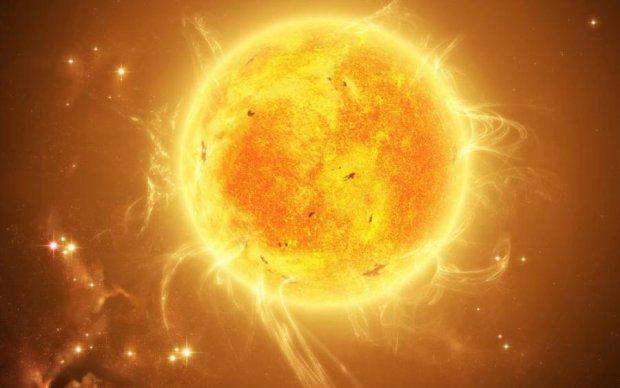 Сонце заженуть в кільце