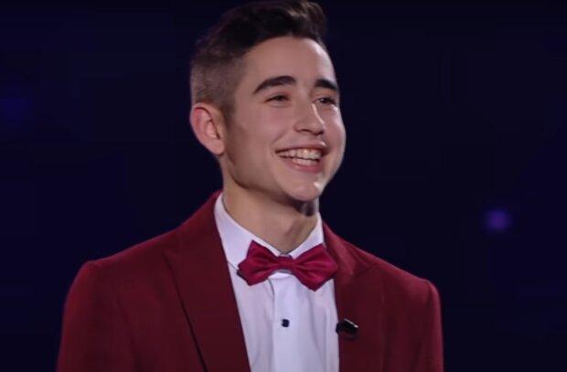 """Переможець """"Голос країни"""" з Тернопільщини підкорив фанаток ніжним треком: """"Ти так легко увійшла в мої сни"""""""