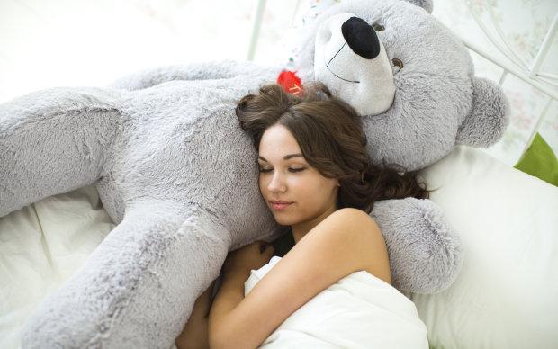 Як швидко заснути та виспатися: вчені дали прості поради, які знадобляться кожному