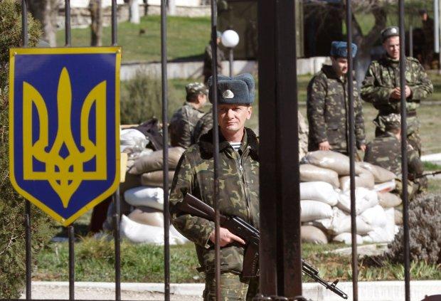Военные бьют друг друга: кому доверили защищать украинцев