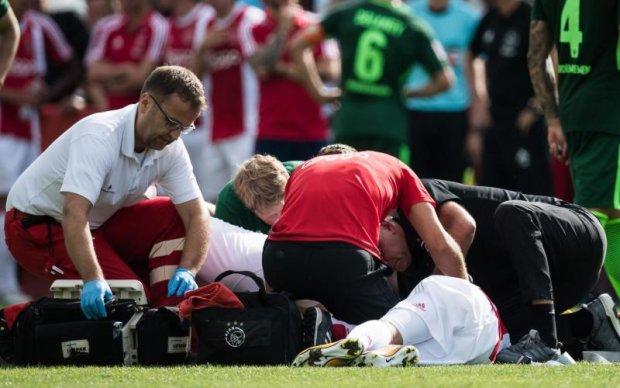 Футболіста Аякса відключили від апарату штучного дихання