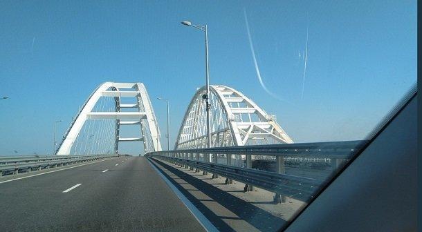 Ожидания разбились о жестокую реальность: в сети показали жалкое подобие Керченского моста