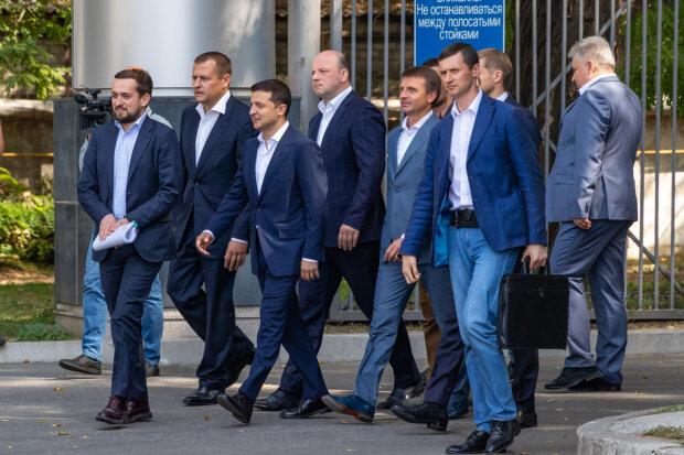 """""""Закрывайте двери, мы на Сен-Тропе"""": конфуз с Зеленским в Днепре поставил на уши Украину"""
