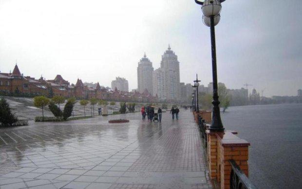 Погода на 16 августа: жара и ливни разрывают Украину на части