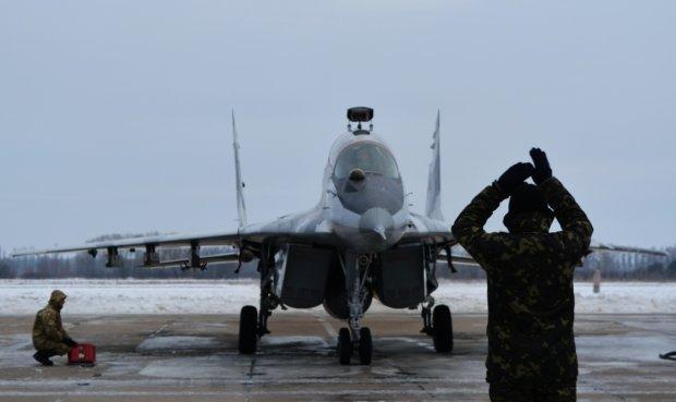 Введення воєнного стану:  Генштаб терміново піднімає авіацію