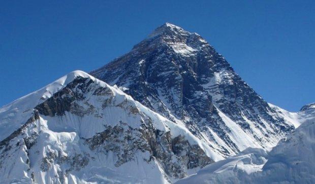 Высота Эвереста уменьшилась через землетрясения в Непале