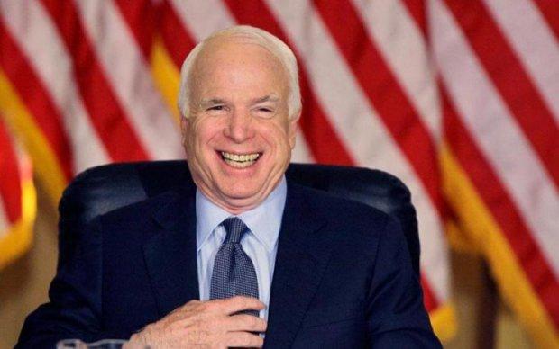 Не знає, з ким зв'язався: український депутат підтримав Маккейна