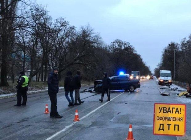 Ночное ДТП закончилось смертью водителя: гололедица, бетонная плита и борьба за жизнь пассажира