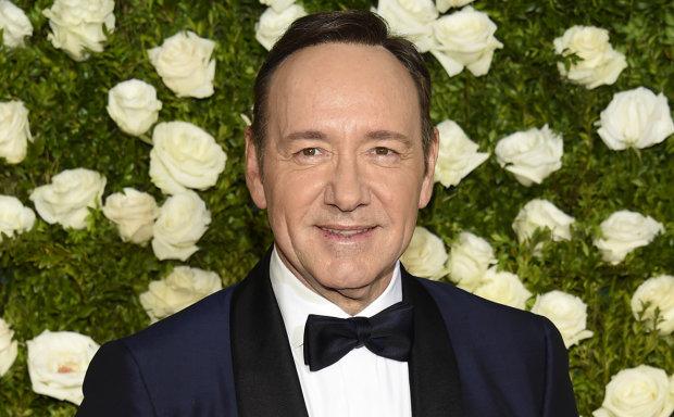 Самоубийство, харассмент и каминг-аут: самые громкие скандалы шоу-бизнеса в 2018 году