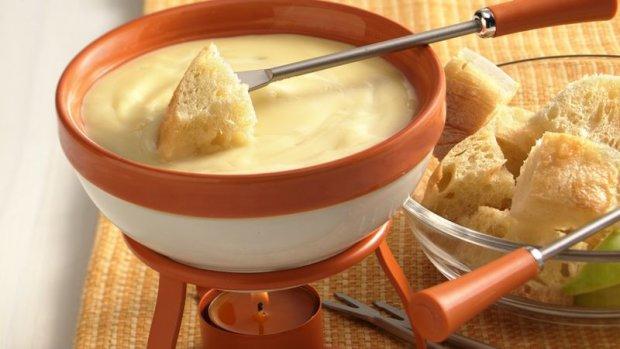 Рецепт сырного фондю всего за 15 минут