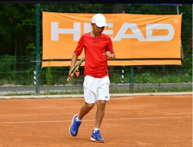 Юний тенісист, скріншот Хмельницька обласна державна адміністрація, фейсбук станичка