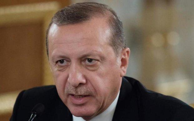 Турецький дружок Путіна побачив привид Гітлера