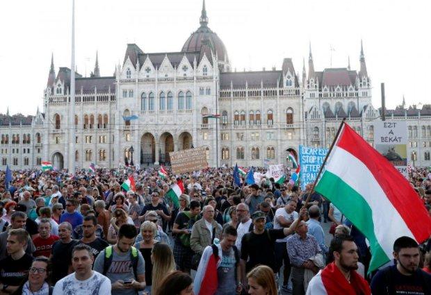 """""""Закон для рабов"""": в Венгрии назревает свой Майдан"""