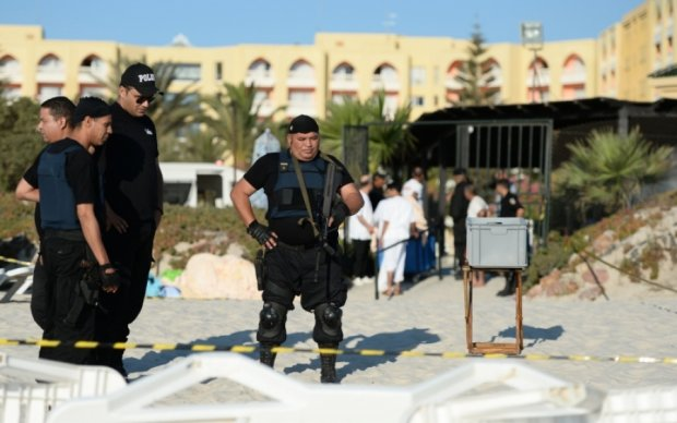 Вооруженный мужчина пытался ворваться в парламент Туниса