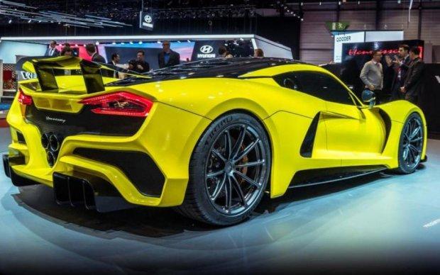 Как молния: топ-5 самых быстрых авто в мире