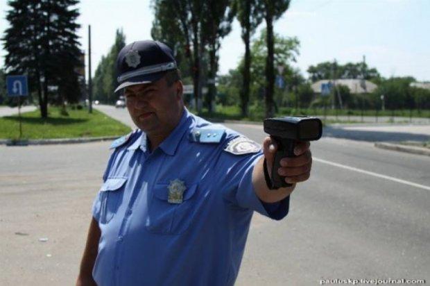 Уволеных гаишников возьмут на работу таксистами и продавцами пиццы