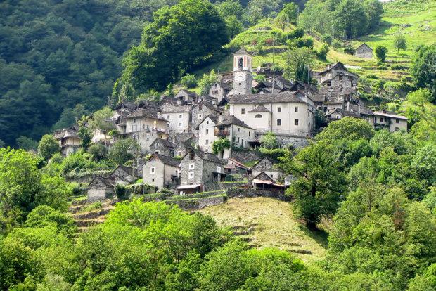 Спасение для жителей Швейцарии: вымирающая деревня может стать отелем