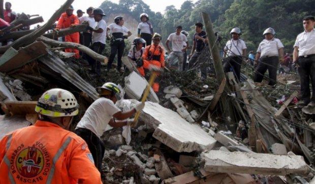Число жертв гватемальского обвала возросло до 56 человек