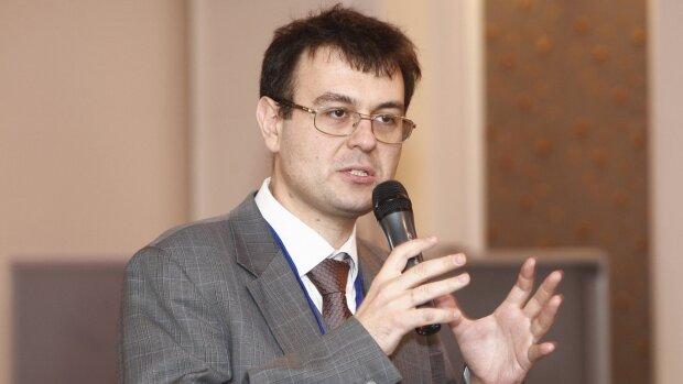 У Зеленского готовят украинцам неприятный сюрприз: декларирование доходов коснется каждой семьи