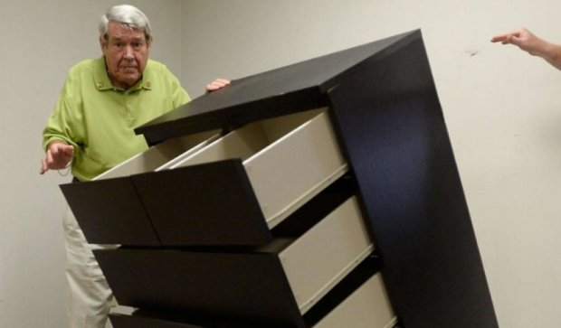 Меблі від IKEA вбивали дітей