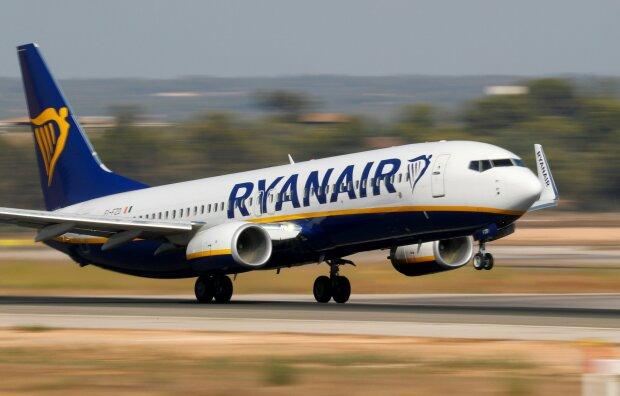 Дешевле некуда: Ryanair распродает билеты на популярные рейсы из Киева
