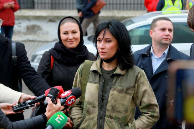 """Звиробий на суде взорвалась оскорблениями в сторону Зеленского: """"Зеленая макака в ванной"""""""