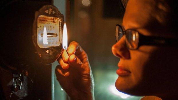 У Дніпрі масово відключать світло: кому варто запастися свічками