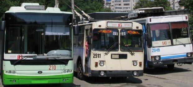 """Масштабна аварія у Дніпрі """"заморозила"""" тролейбуси: як об'їхати"""