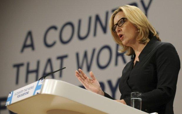 Британия будет бороться с террористами с помощью WhatsApp