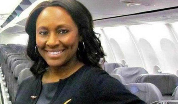 Бдительная стюардесса спасла девочку от рабства