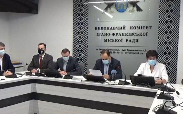 Руслан Марцинкив, кадр из оперативного совещания: Facebook