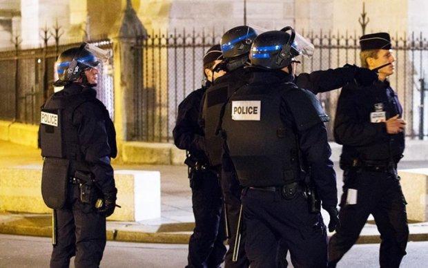 Копы нагрянули с обыском в квартиру парижского террориста
