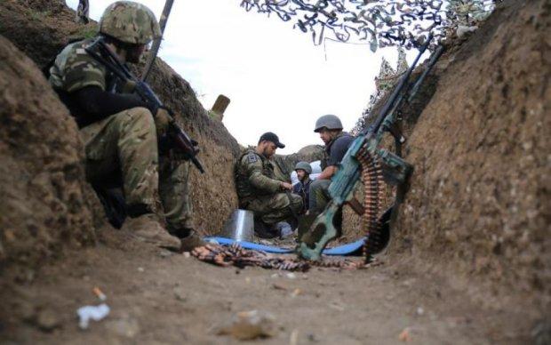 """Влада """"віддячила"""" пораненим українським героям житлом на смітнику"""