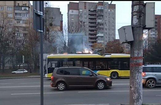 """Во Львове троллейбус превратился в крематорий, пассажиры ахнули: """"Горим!"""""""