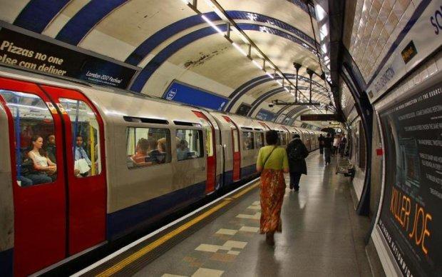 Пожежа в Лондонському метро: є постраждалі