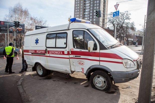В Киеве мужчина умер прямо в супермаркете, отравившись продукцией