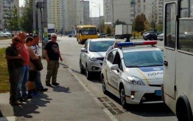 Треба ставити на місце: київський маршрутник поплатився за вдову воїна АТО