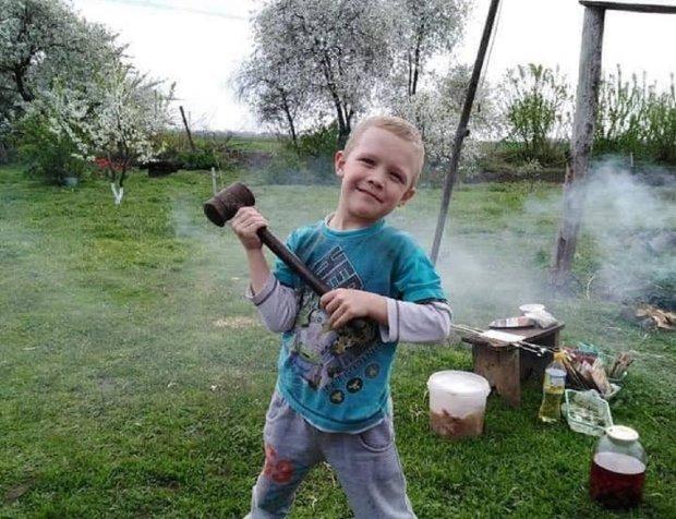 """Убивство 5-річного Кирюши Тлявова хочуть повісити на підлітка: копів потихеньку """"зливають"""", Україна не вірить своїм очам"""