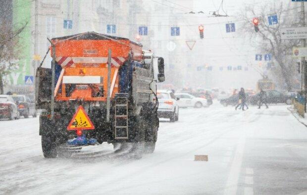 Киев завалит снегом: водителям сделали срочное предупреждение