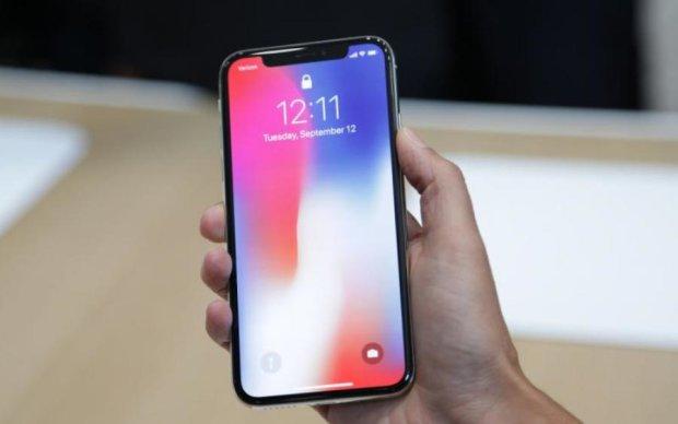 Apple не хватает сил на iPhone X