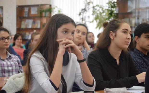 Ні на що не здатні: у відомому українському виші вчать принижувати жінок
