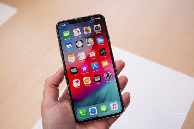 Новым iPhone 2019 года пророчат дешевизну и компактность