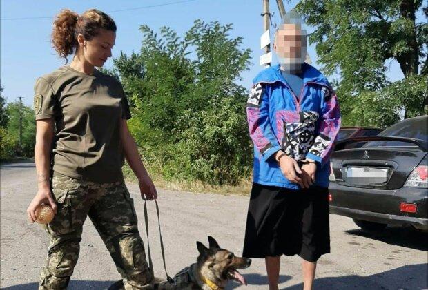 Під Дніпром хитрий вбивця вирядився в сукню жертви - чотирилапі копи розкрили обман